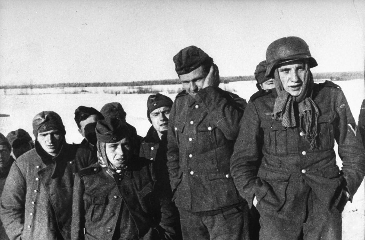Группа немецких солдат, захваченных в плен во время битвы за Москву