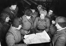Катуков с офицерами
