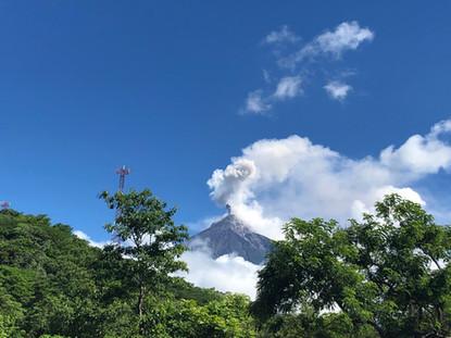 Dialogando con el volcán