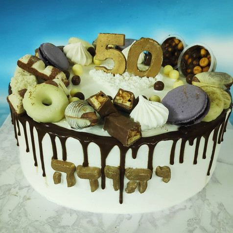 עוגת שכבות קרם ושוקולדים