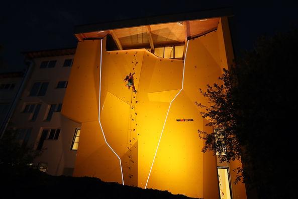 Kletterhalle-Villach-Aussenkletterwand-2