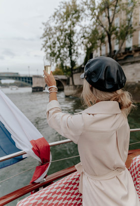 'Seine' the Twinkling Eiffel Tower