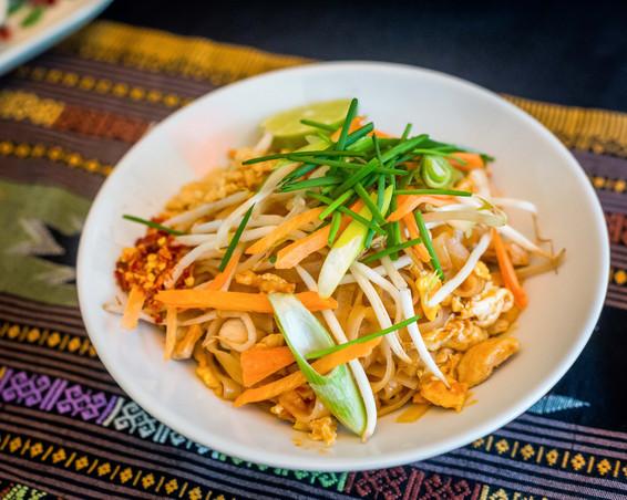 Pud Thai with chicken.jpg