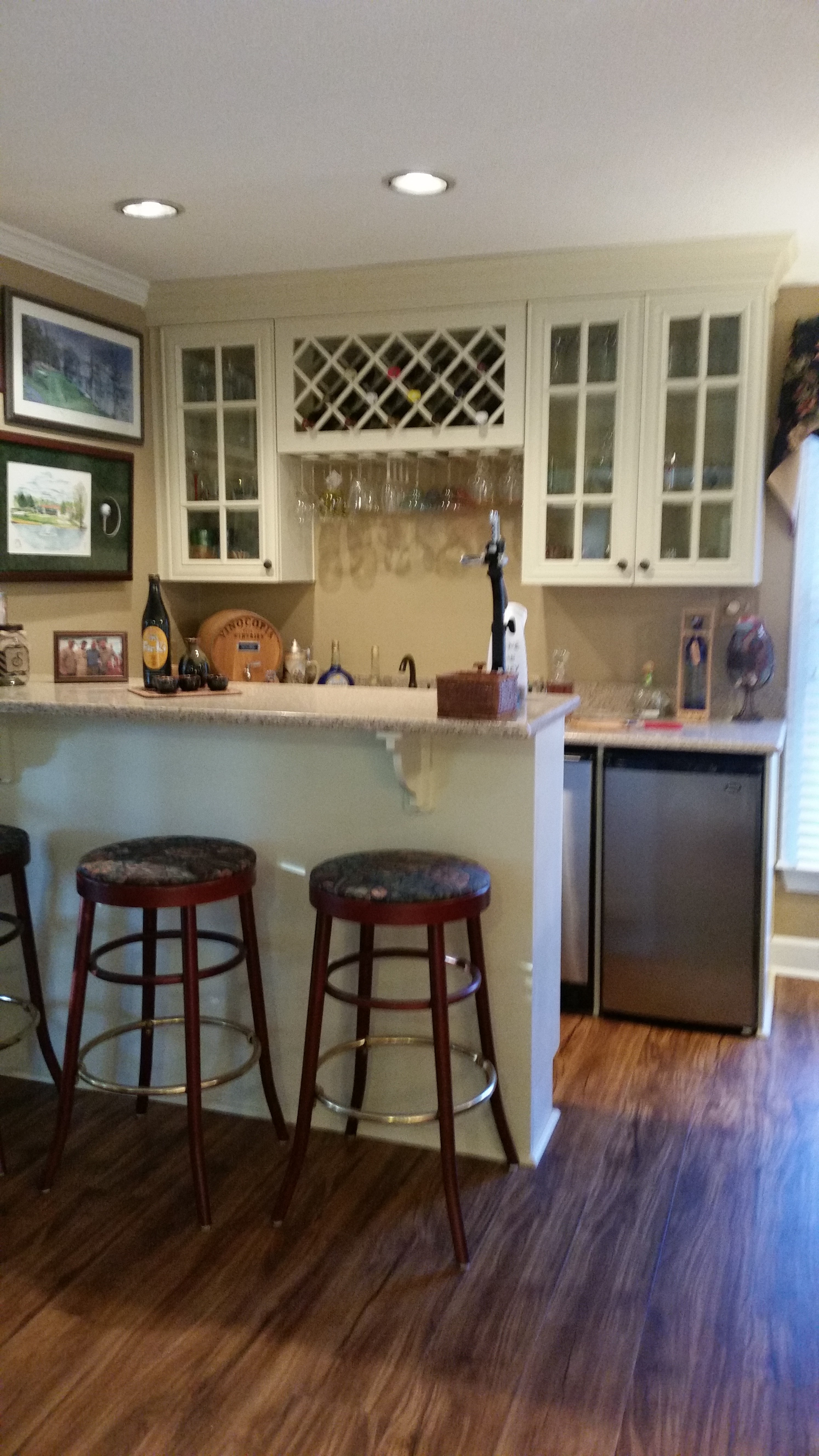 Open wet bar