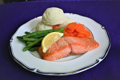 Maxi Baked Salmon with a Wedge of Lemon