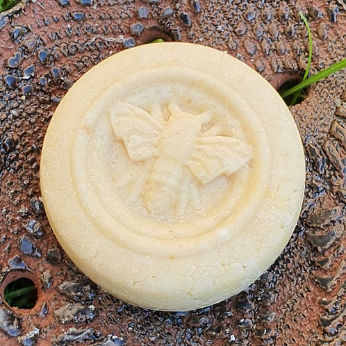 Șampon solid pentru păr normal cu ulei de  de cocos.