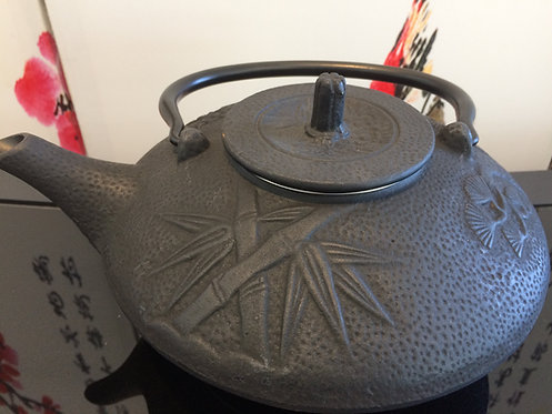 Cast Iron Teapot - Bamboo Black (1100 ml)