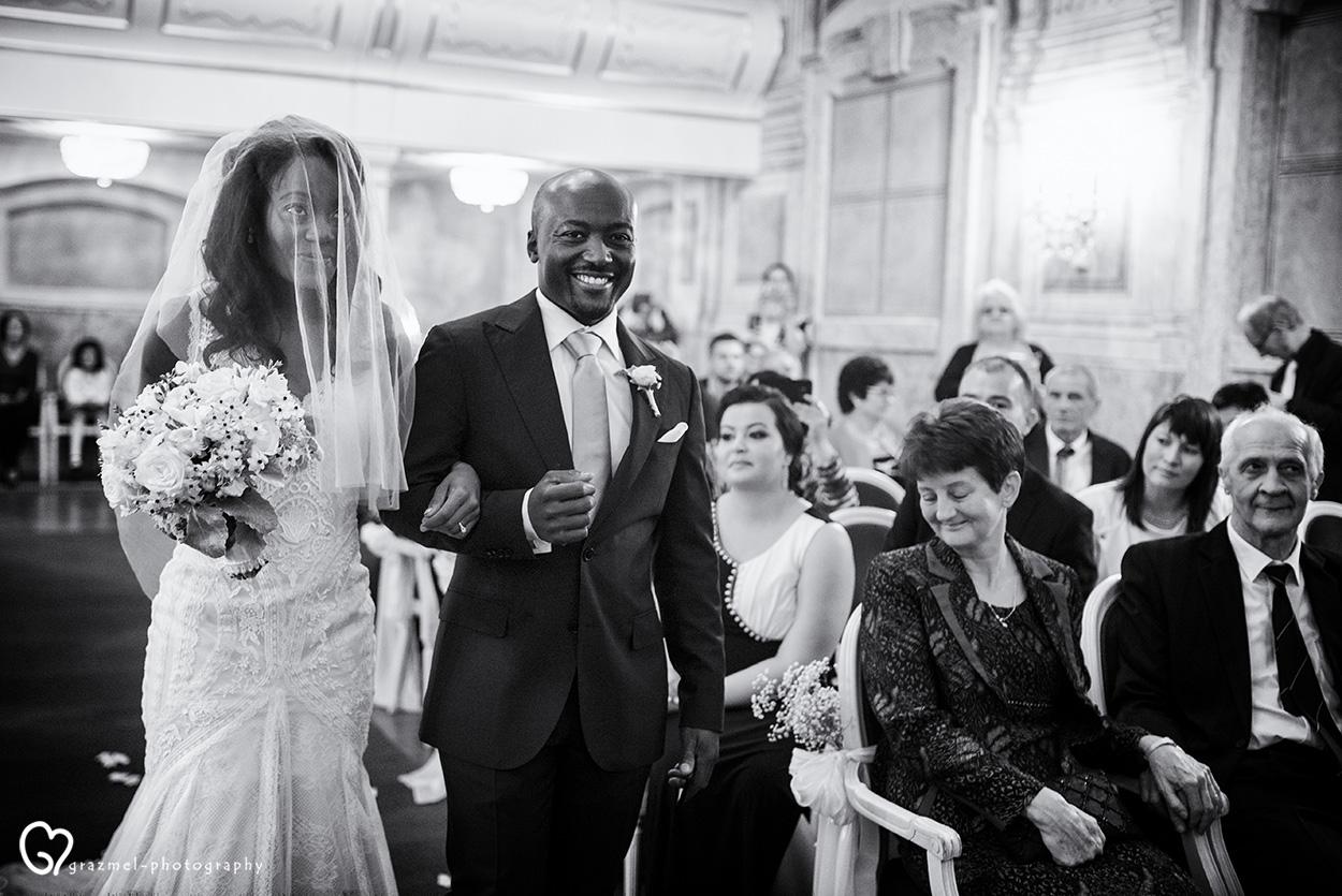 elegant wedding in Gödöllő castle, esküvő a Gödöllői Kastélyban, best wedding photographer hungary budapest