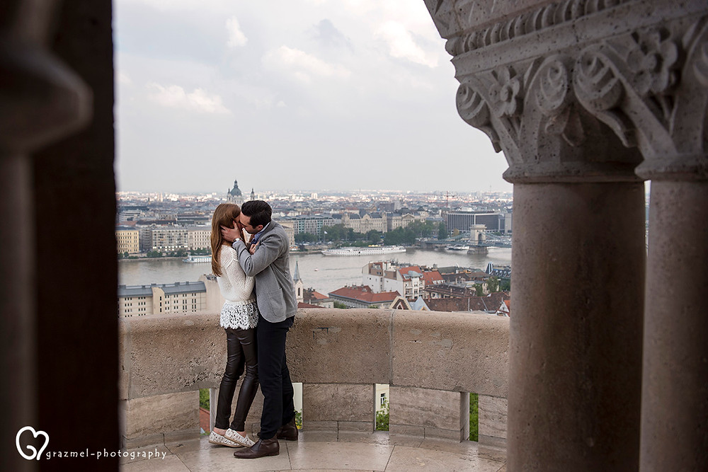 romantic proposal in Budapest, wedding photographer Budapest Hungary, best wedding photographers Budapest, esküvő fotós Budapest, legjobb esküvői fotós