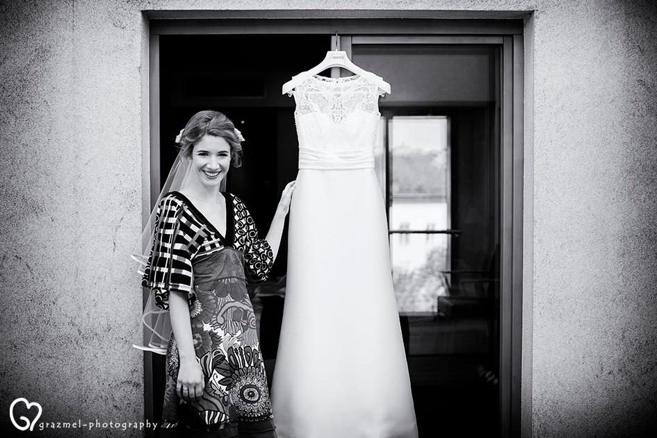 menyasszony készülődése, esküvői fotó riport a Budai várban