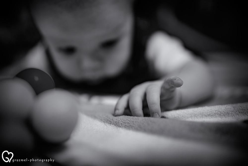 Történetmesélő család fotózás, dokumentarista, családfotózás otthonotokban, család fotós, családi fotós Budapest, giccs mentes családi fotók, a család fotós
