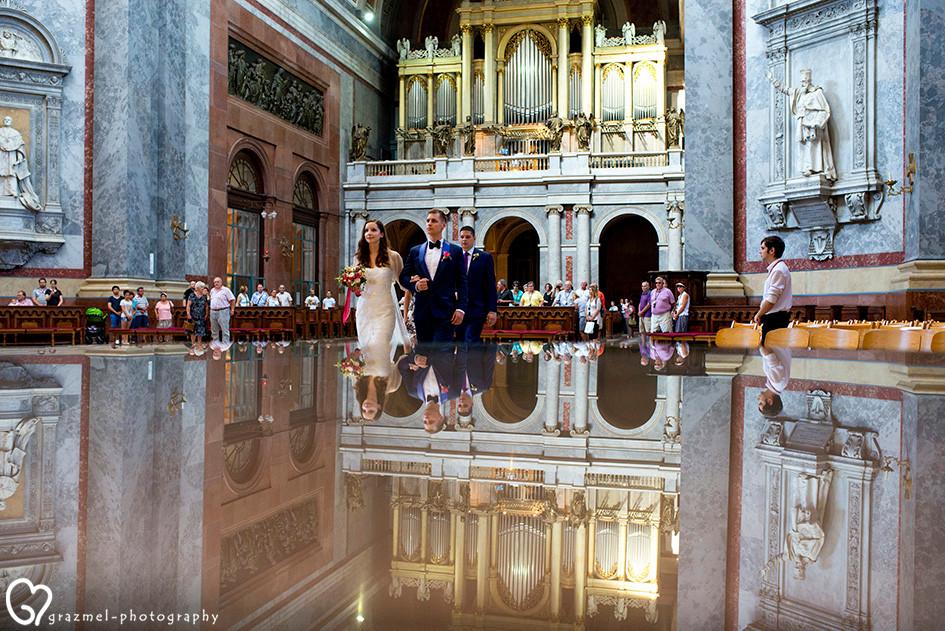 esküvői szertartás az Esztergomi Bazilikába, wedding ceremony in Esztergom,Hungary