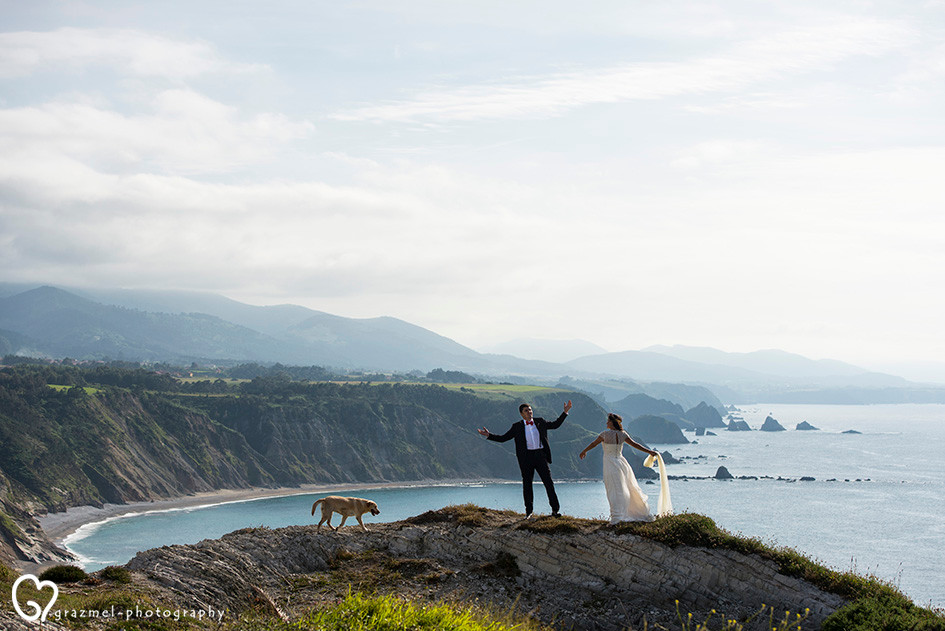 Creative wedding photo session in Spain