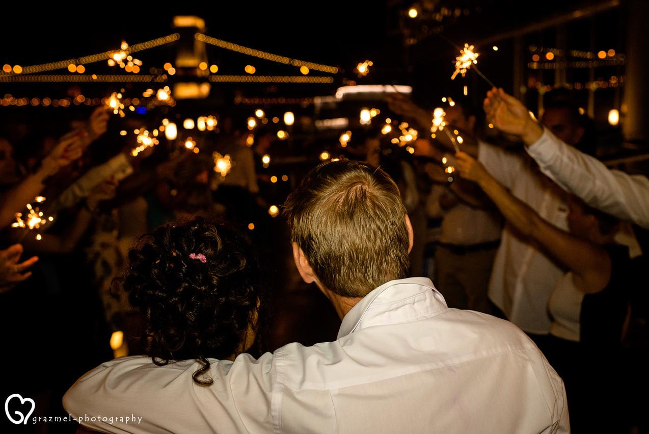 budapest wedding, budapest wedding photographer, esküvő fotós, esküvő, menyasszony, wedding spoon boat budapest, esküvő a spoon hajón