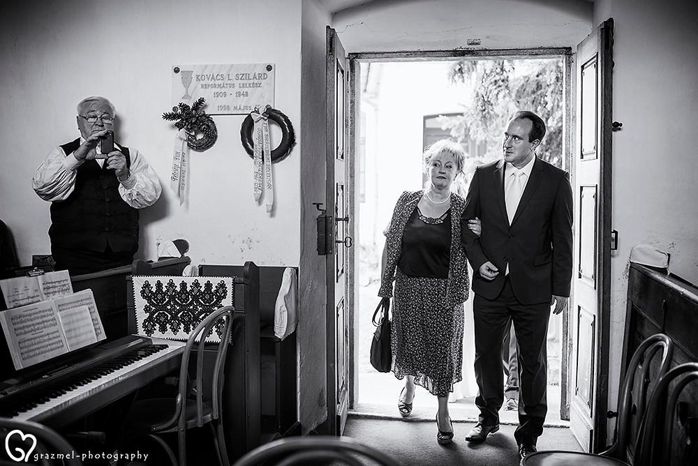 esküvő fotós, fotózsurnaliszta esküvő fotós, esküvő, esküvő fotózás, történetmesélő esküvő fotós, Grazmel wedding photography, Hungary