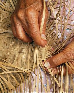 closeup-detail-of-womans-hands-weaving-l