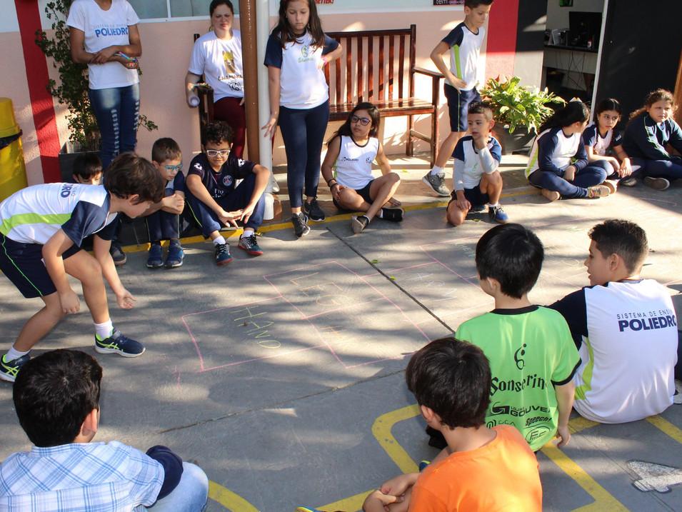 Adaptação e acolhimento na transição/troca de escola