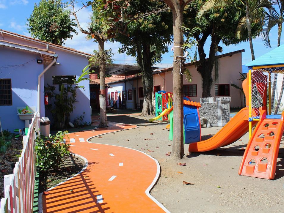Período de férias com adaptação à estrutura para crianças da Educação Infantil