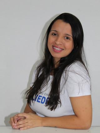 Nara Oliveira