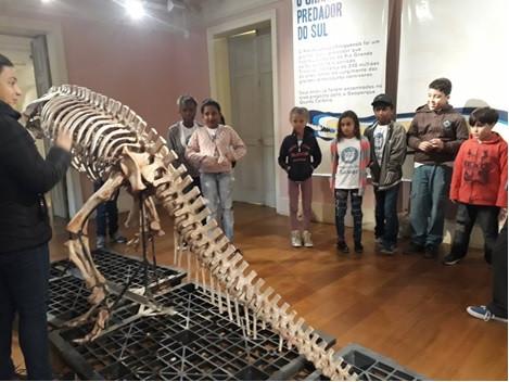 Visita à exposição sobre Dinossauros