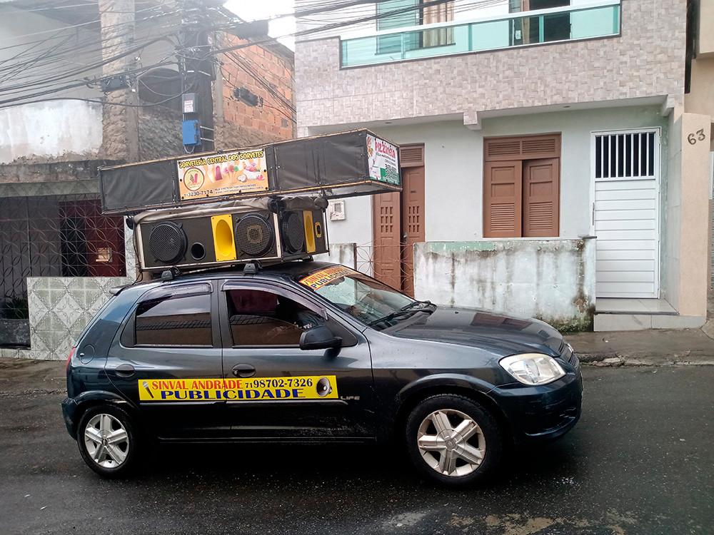 ACOPAMEC -Carro de som circula com informações de combate a violência sexual infantil nos bairros de Mata Escura, Calabetão e Santo Inácio.