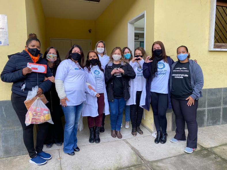 Famílias dos assistidos pelo Projeto Espaço do Saber recebem Cestas Básicas Digitais