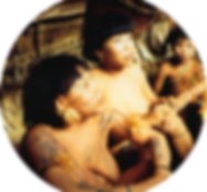 Mulheres Yanomami nuas com a pele coberta de pinturas