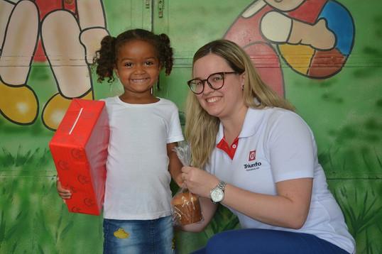 Doação de alimentos e brinquedos marcam a Semana Solidária