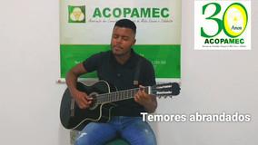 """Educador Wendel Barbosa canta """"Amanhã"""""""