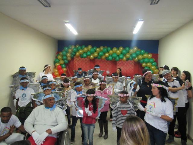 Lar Santa Catarina realiza comemoração de Natal