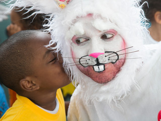 Favela mundo arrecada chocolate para festas de páscoa de 700 crianças de comunidades do Rio