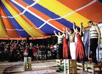 Lona na Lua na Mostra Internacional de Teatro de Rua do Ceará