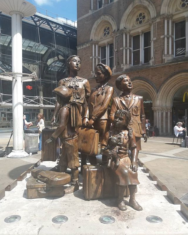 Kindertransport memorial statue at Liverpool Street Station