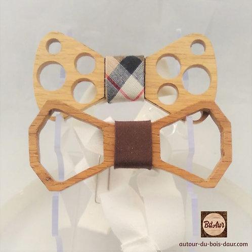 Noeud Papillon ajouré en bois (Chêne) avec tour de noeud interchangeable