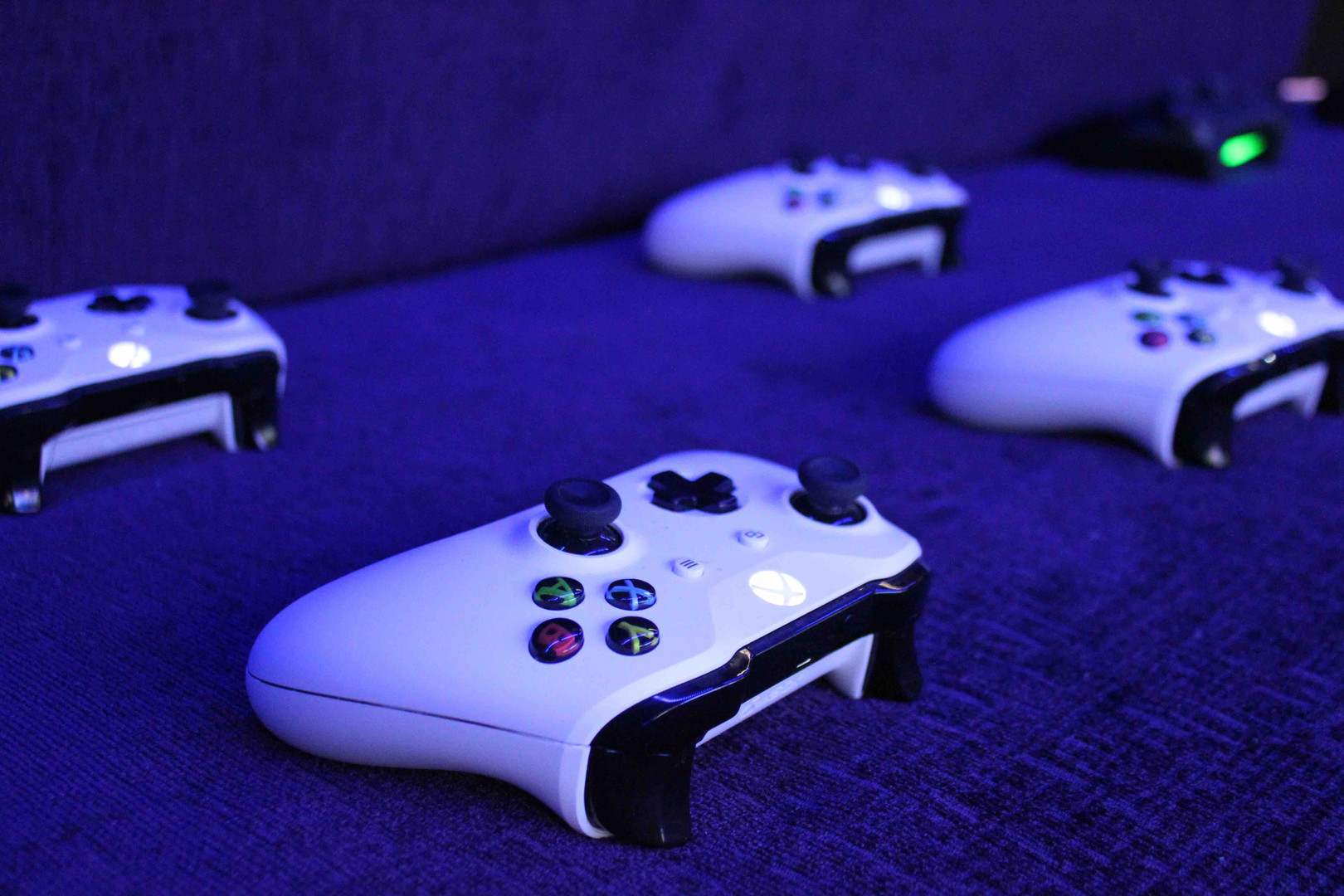 XBOXCONTROLLERS.jpg