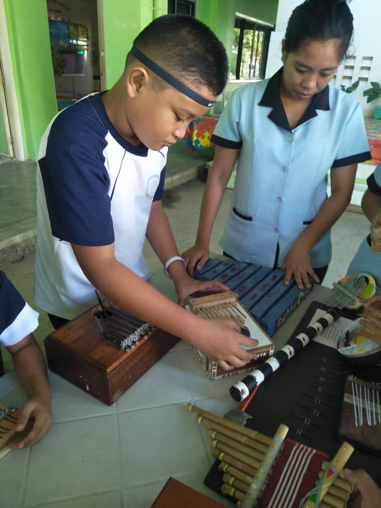musical_instruments_10.jpg