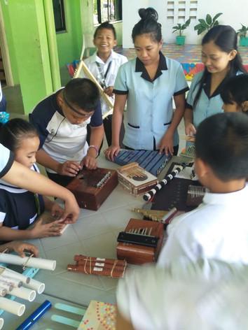 musical_instruments_11.jpg