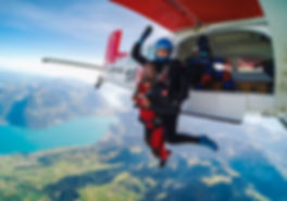 skydive-switzerland-hanger-photo-klein.j