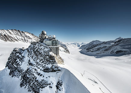 Jungfraujoch moountain train Swiss alps, sightseeing in the snow!