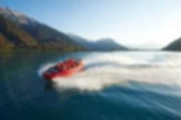 "Jet Boating with Jetboat Interlaken لقارب الطائر "" جيت بوت"