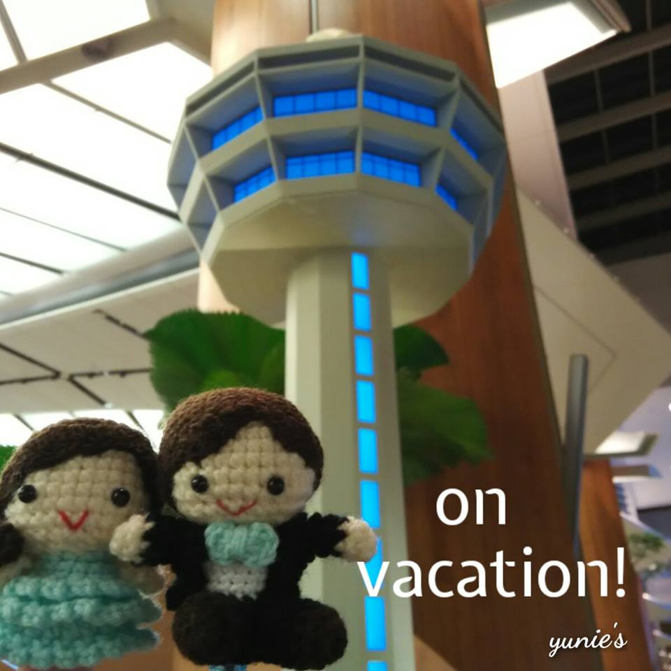 Yunies  on vacation Changi Airport