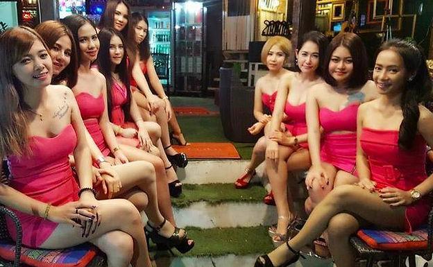 泰国芭提雅援交餐厅:Relax bar