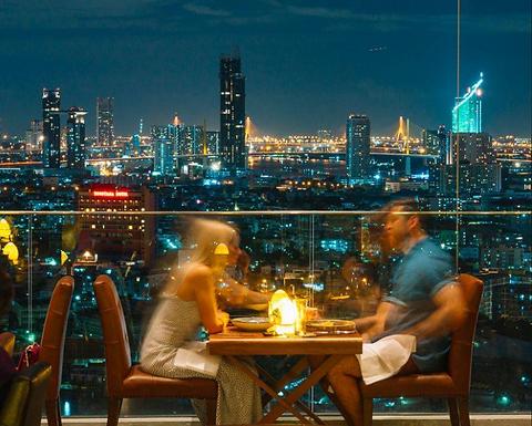 曼谷适合带泰妹约会的屋顶酒吧:seen bar