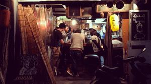 日本izakaya tachinomiya站立酒吧在涩谷,东京,日本