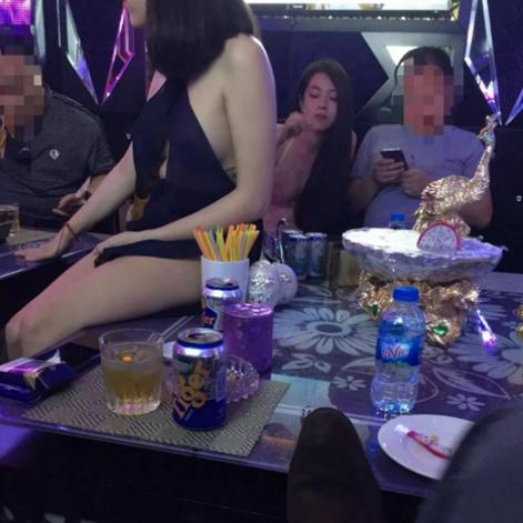 参加越南暗黑团,胡志明美甲店遇见简直妹纸,是缘