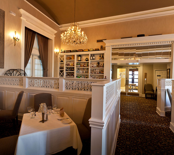 Station Place - Laury's Restaurant