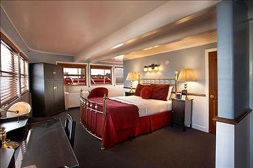 Deluxe City View Room.jpg
