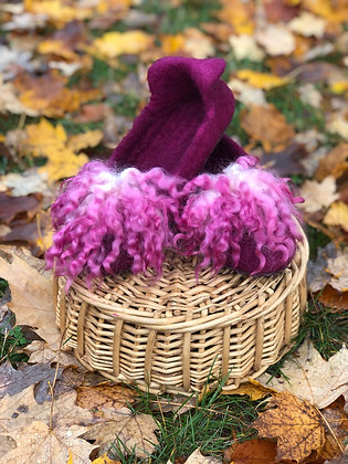 Slippers with Poms in Burgandy Color