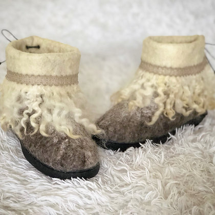 Baahboots Short Boot with Cuff and Curls