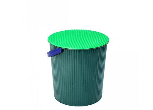 cubeta de plastico con tapa verde